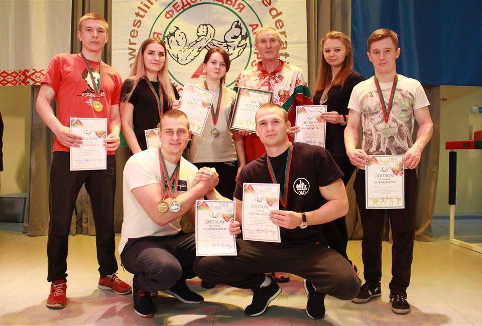 В БГТУ состоялись финальные соревнования по армрестлингу
